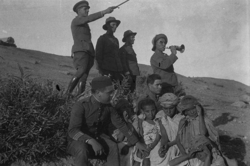 Colección de fotografías militares de Melilla y Marruecos, de Eduardo Forcén Castellano