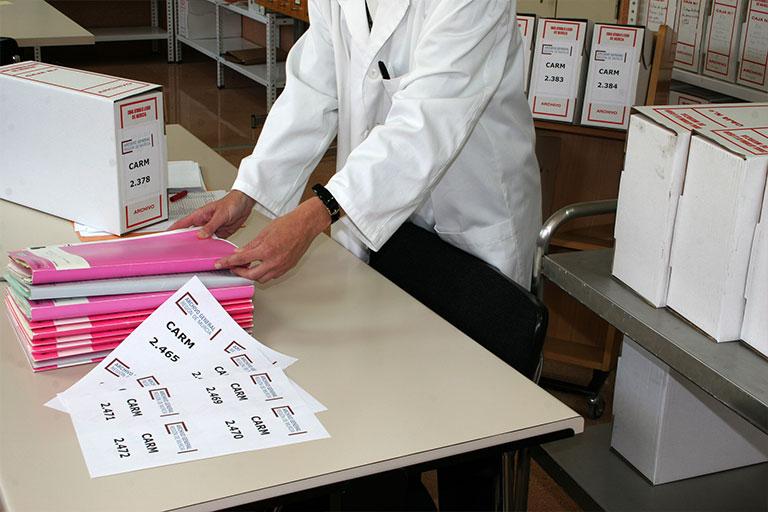 Imagen de manipulación de documentos